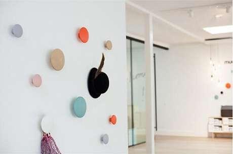 32. Design criativo para gancho de parede. Fonte: Pinterest