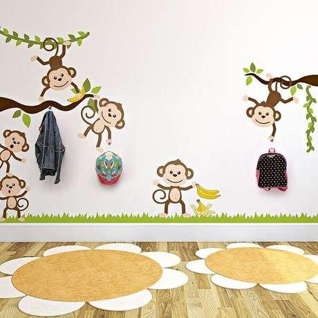 7. Gancho de parede adesivo auxilia na organização das crianças. Fonte: Pinterest