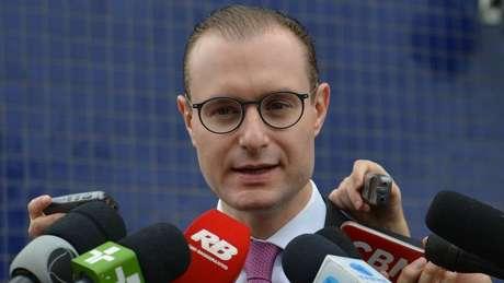 Cristiano Zanin Martins, responsável pela defesa do ex-presidente, disse que Lula jamais ofereceu ao Grupo Odebrecht qualquer 'pacote de vantagens indevidas'.