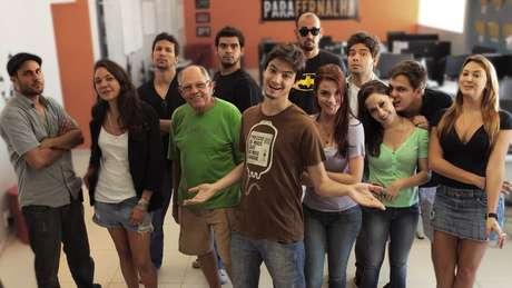 Felipe Neto e elenco de 'A Toca', da Netflix, lançada em 2013.