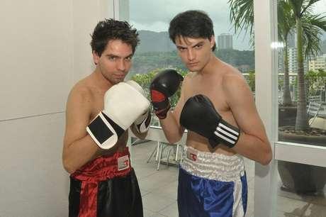 Felipe Neto (à direita) ao lado de Fábio Nunes no quadro '#FF', do 'Esporte Espetacular', da Globo, em maio de 2011.