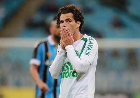 Camilo reage em jogo contra o Grêmio pelo campeonato brasileiro