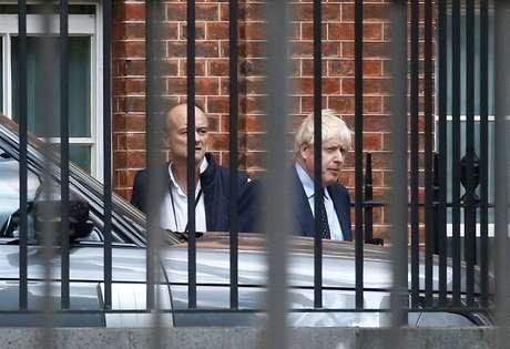 Primeiro-ministro britânico, Boris Johnson, e seu assessor especial Dominic Cummings em Downing Street 03/09/2019 REUTERS/Henry Nicholls