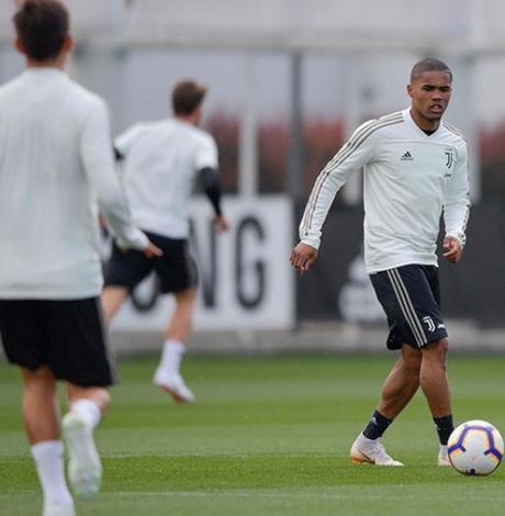 Douglas Costa é um dos destaques da Juventus (Foto: Reprodução / Instagram)