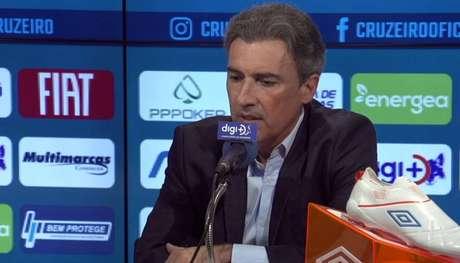 O diretor de futebol do Cruzeiro afirmou que Rogério Ceni seguirá no comando do clube. (Foto: Reprodução/TV)
