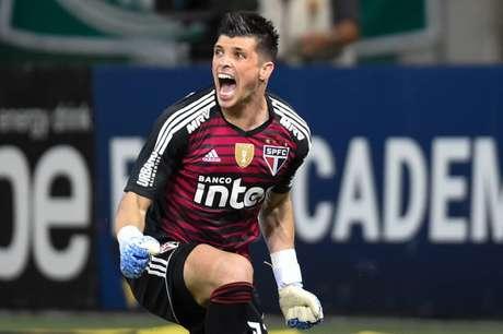 Para goleiro, retorno de jogadores e confiança renovada farão São Paulo voltar a balançar as redes (Foto: Djalma Vassão/Gazeta Press)
