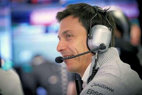 """Wolff comentou sobre Leclerc: """"Pilotos mais jovens são mais agressivos"""""""