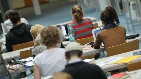 No ano passado, cerca de 450 mil estudantes estrangeiros estavam no Reino Unido
