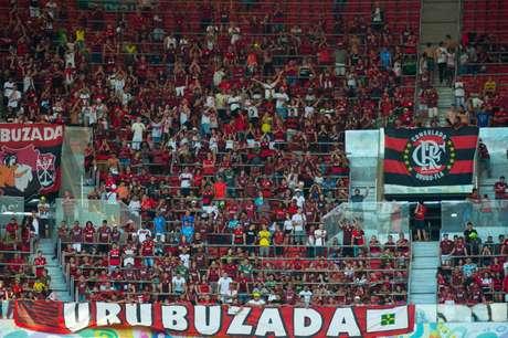 Torcida do Fla já tinha comparecido em peso em Brasília (Foto: Alexandre Vidal / Flamengo)