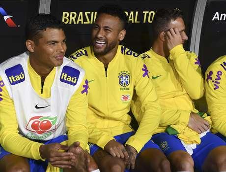 Neymar começou no banco, e entrou no segundo tempo