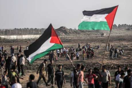 Palestinos protestam contra Israel na fronteira da Faixa de Gaza, em 6 de setembro