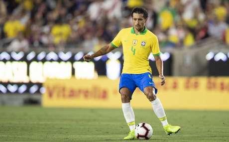 Marquinho na derrota do Brasil para o Peru nesta quarta-feira (Foto: Divulgação CBF)