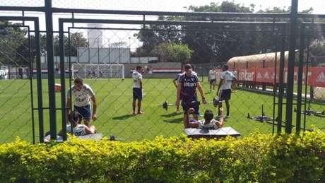 Jogadores realizaram um treino físico na manhã desta quarta-feira (Foto: Alexandre Guariglia/Lancepress)