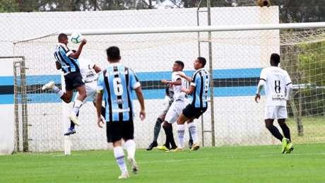 Grêmio subiu posições na tabela e chegou à 12ª colocação (Foto: Rodrigo Fatturi/Grêmio)