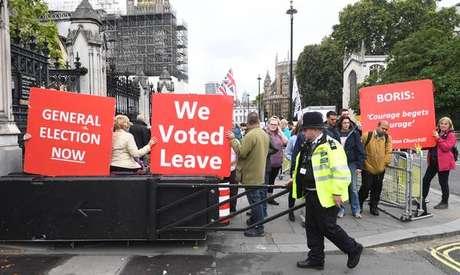 Manifestantes protestam a favor do Brexit em Londres