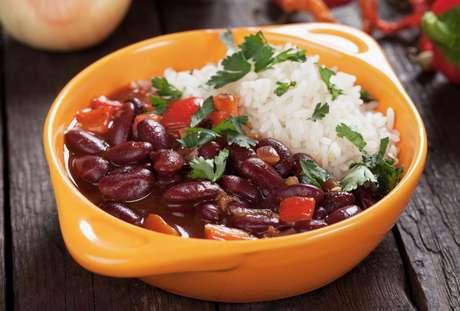 Como substituir arroz e feijão na alimentação: confira as dicas do TudoGostoso