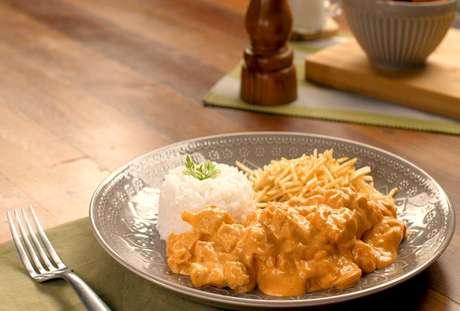 Confira as melhores receitas com frango no especial exclusivo do aplicativo do TudoGostoso