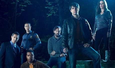 8 - Grimm: O detetive de homicídios Nick Burkhardt tem que enfrentar coisas bem estranhas ao voltar para a sua cidade. Ele descobre lá que as histórias que contaram a ele antes de dormir na verdade não eram contos de fadas