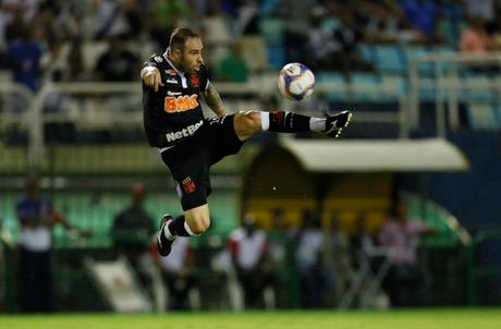 Esta é a primeira temporada de Bruno César pelo Vasco (Foto: Reprodução/Twitter/vasco)