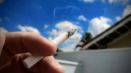 Diferentemente do cigarro tradicional, o cigarro eletrônico não queima tabaco