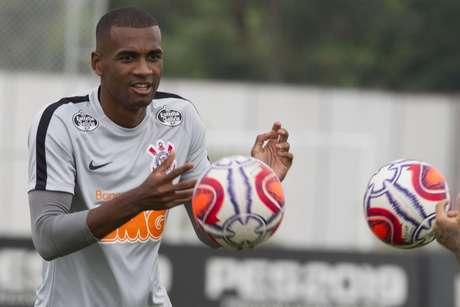 Zagueiro é aguardado no CT Joaquim Grava ainda nesta semana (Foto: Daniel Augusto Jr/Agência Corinthians)
