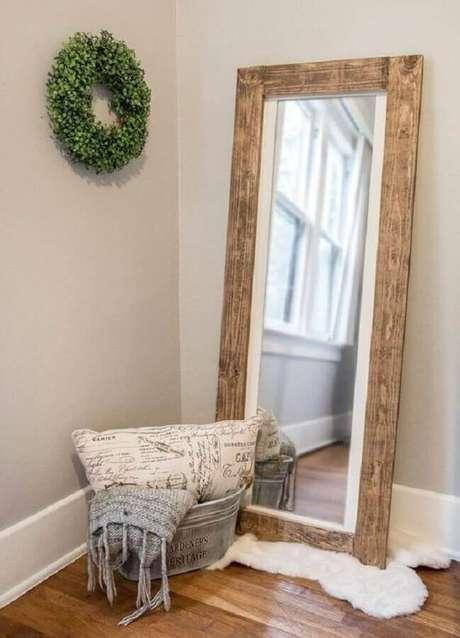 55. Modelos de espelhos decorativos rústicos deixam o ambiente com um toque mais aconchegante – Foto: Pinterest