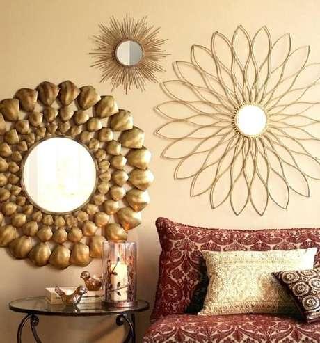 41. O mix de espelhos decorativos é uma ótima dica de decoração