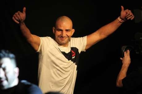 Aos 39 anos, Glover Teixeira emplacou sua terceira vitória consecutiva (FOTO: Gaspar Nobrega/Inovafoto)