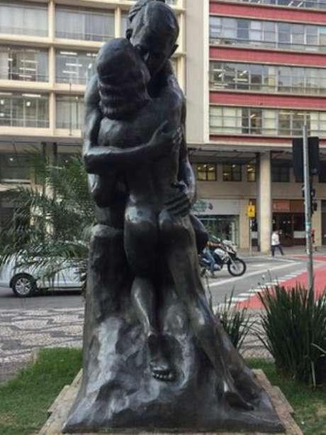 A estátua foi censurada por seu 'conteúdo' impróprio aos bons costumes do paulistano