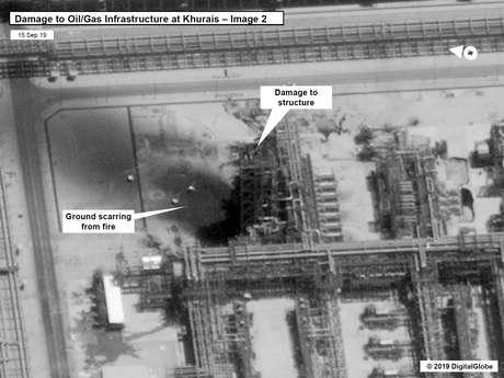 Imagem de satélite mostra danos provocados a instalação de petróleo e gás da Aramco em Khurais 15/09/2019 Governo dos EUA/DigitalGlobe/Divulgação via REUTERS