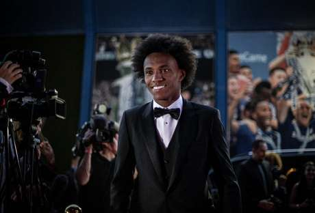 Willian durante o evento no Stamford Bridge, estádio do Chelsea, em Londres (Foto: Ricardo Nogueira)