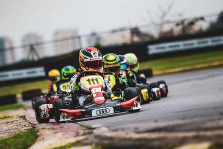 Augustus Toniolo conquista vitória na etapa do Paulista Light e vaga no Troféu Ayrton Senna de Kart