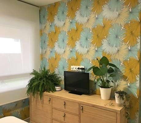 8. Decoração com papel de parede floral – Foto: Habitissimo