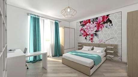 10. Decoração para quarto de casal simples com papel de parede floral – Foto: Habitissimo