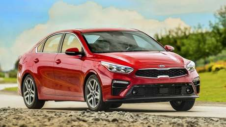 O visual do Cerato 2020 é inspirado no design do Kia Stinger.