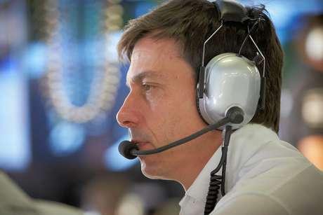 Wolff espera que Ferrari seja mais forte em Cingapura do que foi na Itália