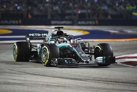 """Calor e umidade: Mercedes pronta para """"final de semana exigente"""" em Singapura"""