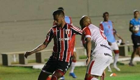 Botafogo-SP superou o Vila Nova em Goiânia