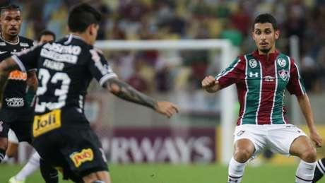 Daniel em ação contra o Corinthians, pela Sul-Americana, último jogo do meia (Foto: Lucas Merçon/Fluminense)