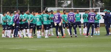 Mano Menezes teve conversa sincera com elenco ao chegar, segundo Diogo Barbosa (Agência Palmeiras/Divulgação)