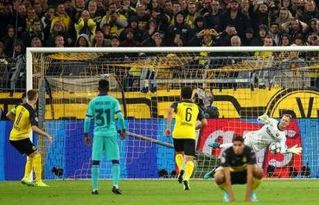 Reus perdeu pênalti decisivo (Foto: Reprodução)