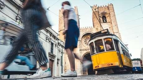 Maior alta no número de imigrantes brasileiros em 2017 foi em relação a Portugal
