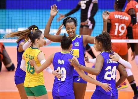 Brasil derrota o Quênia e se recupera na Copa do Mundo de Vôlei