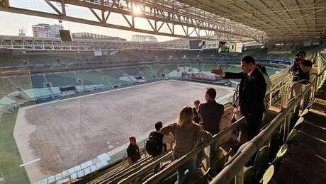 Palmeiras mudou o material de rede de proteção no setor de visitantes