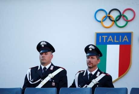 Policiais durante partida de tênis em Roma 19/05/2019 REUTERS/Tony Gentile