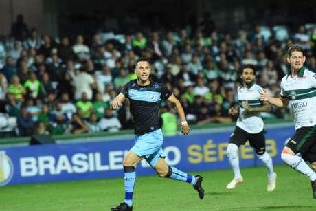 Higor Leite valorizou vitória no clássico e almeja bons objetivos para o Londrina (Foto:Divulgação/Londrina)