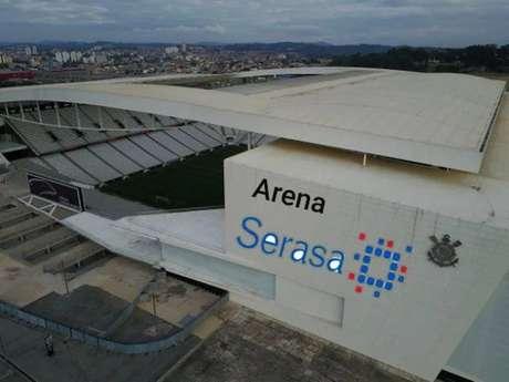 Internautas não pouparam na hora de brincar com as dívidas da Arena Corinthians (Reprodução/ Twitter)