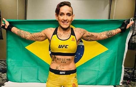 Sarah Frota foi dispensada pelo UFC após ser flagrada em exame antidoping (Foto: Reprodução/Instagram)