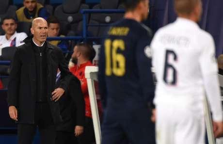 Zidane durante a partida (Foto: AFP)