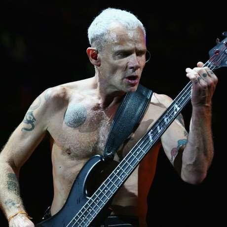 Quase que deu ruim pro Flea, hein? (Reprodução/Internet)